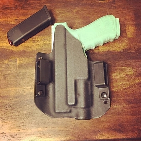 Picture of Holster Outside The Waistband Light Bearing